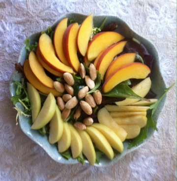 peachy apple salad (www.casitabythesea.com)